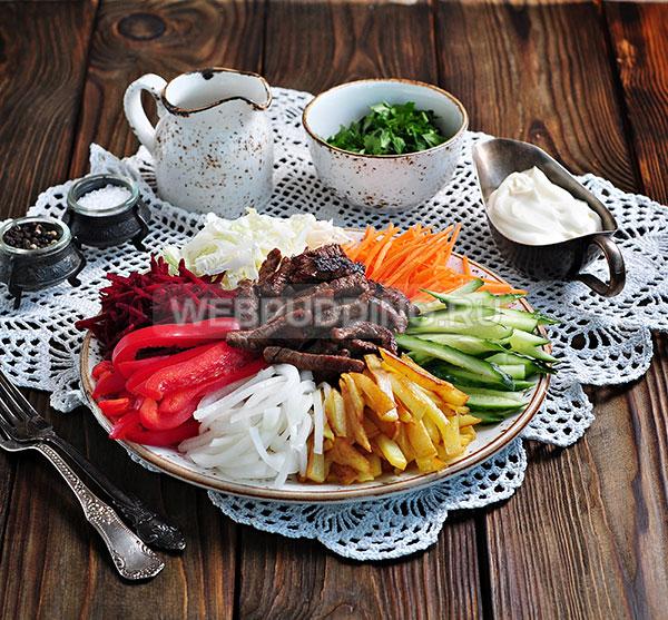 Шаг 10. Осталось салат Чафан собрать, и он готов.