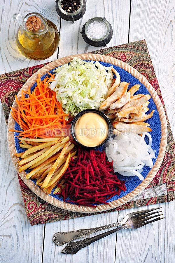 Подача чафана с курицей на большой блюде