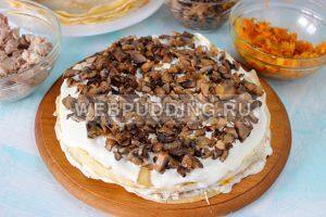 blinnyj-tort-s-kuricej-i-gribami-9
