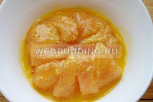 kuritsa-s-ananasami-na-skovorode-5
