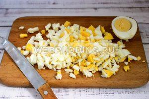 salat iz krabovyh palochek s risom 5