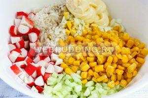 salat iz krabovyh palochek s risom 6