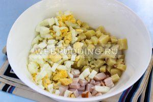 salat s kopchenoj kuricej i ogurcami 2