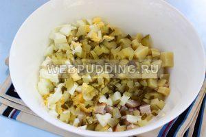 salat s kopchenoj kuricej i ogurcami 3