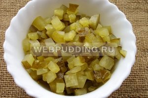 sup rassolnik s perlovkoj i solenymi ogurcami 5