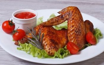 Куриные крылышки, запеченные в духовке