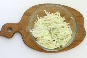 salat iz kolrabi s kolbasoj 2